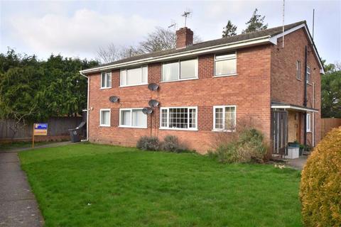 2 bedroom maisonette to rent - Pinemount Road, Gloucester