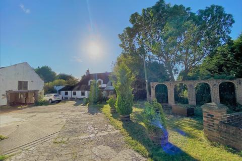 4 bedroom farm house for sale - Fleming Field Farm, Shotton, DH6 2JE
