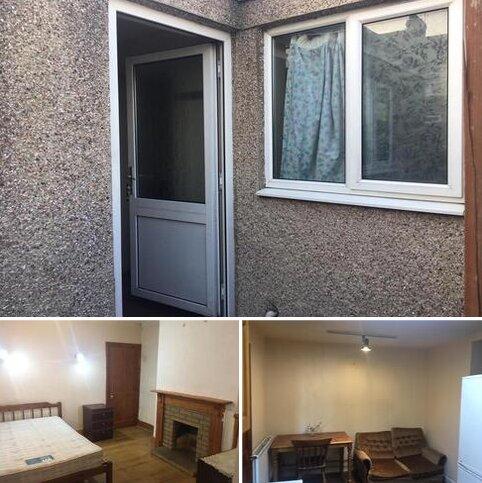Studio to rent - DOWLING STREET, SWINDON SN1