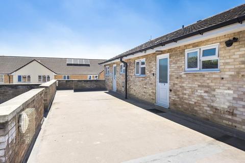 2 bedroom flat for sale - Cheltenham,  England,  GL50