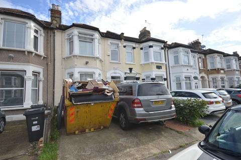 4 bedroom terraced house for sale - Empress Avenue, Ilford