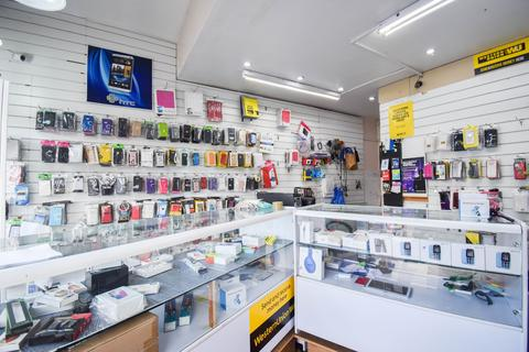 Shop to rent - Welford Road, Leicester