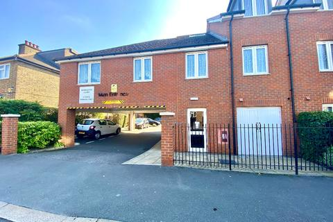 2 bedroom flat for sale - Myddleton Court, Clydesdale Road, Hornchurch