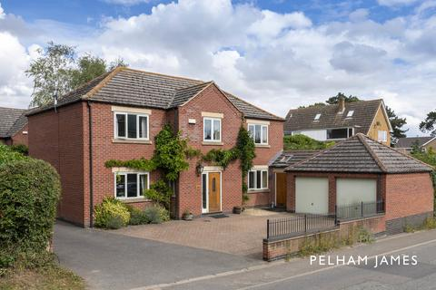 4 bedroom detached house for sale - Main Street, Whissendine