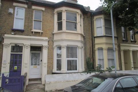 2 bedroom flat to rent - Ashburnham Road, Southend-On-Sea