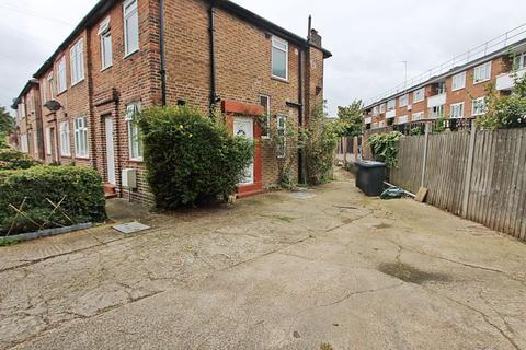 2 bedroom maisonette to rent - Shelley Avenue, Greenford