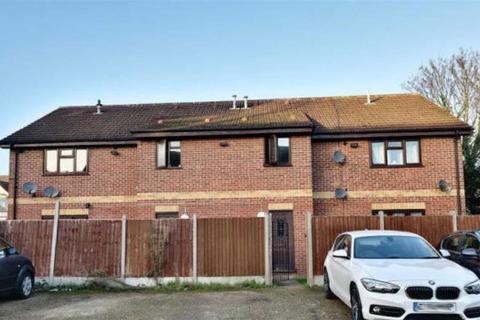1 bedroom flat for sale - Castleton Road, Ilford, Essex, IG3