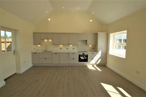 2 bedroom bungalow to rent - Guernsey Cottage, Woodlands, Burnham Road, Buckinghamshire, HP9