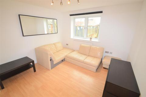 3 bedroom property for sale - Campbell Road, Bow E3