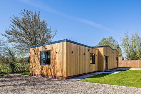 3 bedroom detached house to rent - Whitehouse Farm Road, Burgh, Woodbridge