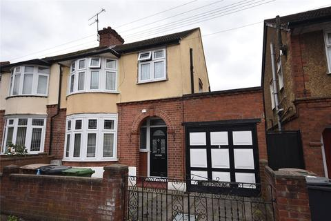 3 bedroom semi-detached house for sale - Thornhill Road, Luton, Bedfordshire, LU4