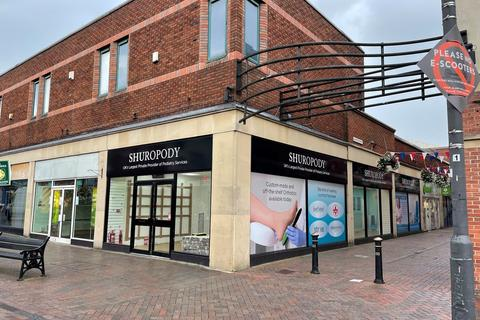 Retail property (high street) to rent - Unit F Hunters Row Shopping Centre, 20 Gaolgate Street