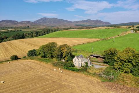 3 bedroom detached house for sale - Pittarig Farmhouse, Pitlochry
