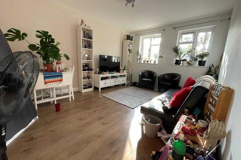 2 bedroom apartment to rent - Main Road, ROMFORD