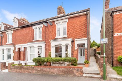 4 bedroom end of terrace house for sale - Devonshire Road, Horsham