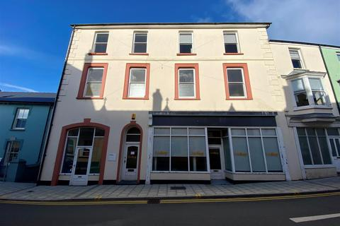 End of terrace house for sale - 10 West Street, Fishguard