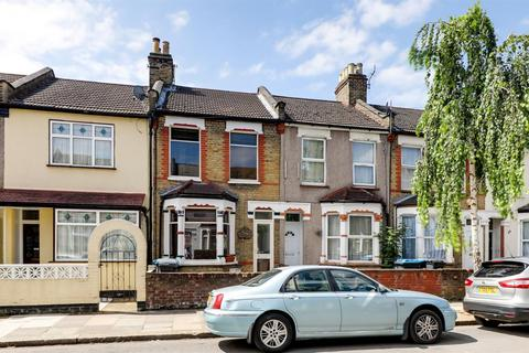 3 bedroom terraced house to rent - Forest Road, London