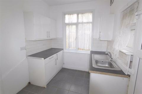 4 bedroom terraced house to rent - Victoria Avenue, Southend On Sea