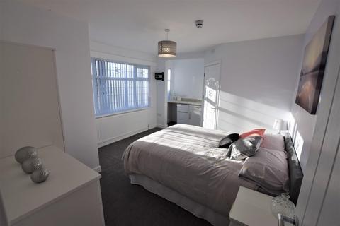 House to rent - Room 2 - 66  Wheat Street, Nuneaton Warwickshire CV11 4BH
