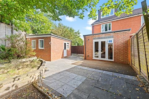 4 bedroom end of terrace house for sale - Hopkins Close, Muswell Hill, N10