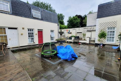 2 bedroom mews for sale - Monterey Close, Mill Hill