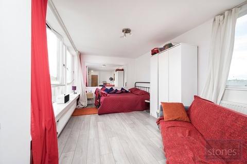 Property to rent - Avenue Road, London, N6