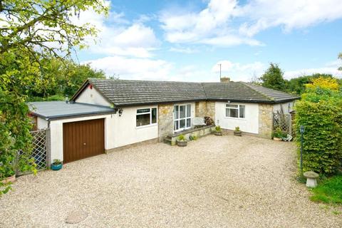 4 bedroom detached bungalow for sale - Chestnut Road, Yardley Gobion, Towcester, Northamptonshire