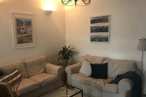 2 bedroom apartment to rent - Flat 3, 46 Walter Road Swansea