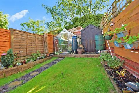 2 bedroom terraced house for sale - Sturla Road, Chatham, Kent