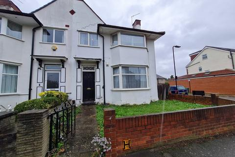 4 bedroom end of terrace house to rent - Northfields Road, West Acton, London, W3