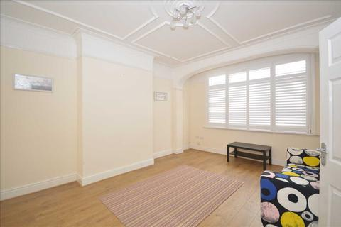 3 bedroom terraced house to rent - Vectis Road, Tooting, London