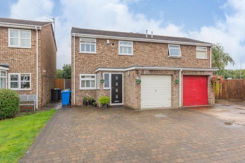 3 bedroom semi-detached house for sale - Aveley Close, Paddington, Warrington, Cheshire