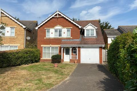 4 bedroom detached house to rent - Bancroft Chase, Hornchurch