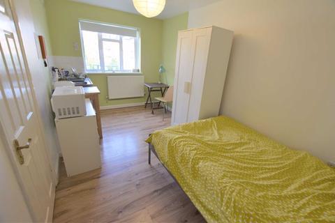 Studio to rent - Oak Lane, East Finchley, London, N2
