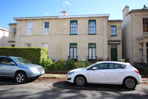 7 bedroom end of terrace house for sale - Priory Street, Cheltenham, GL52