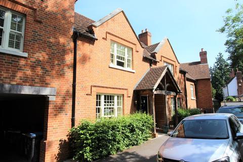 2 bedroom character property to rent - Church Lane, Hatfield, AL9