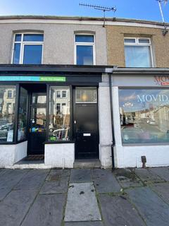 Mixed use to rent - Eversley Road, Sketty, Swansea, SA2