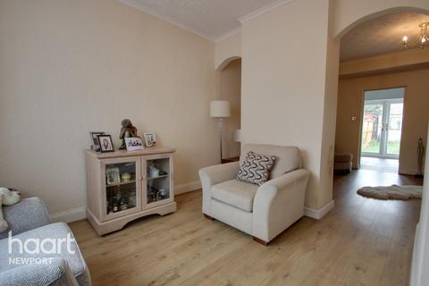 3 bedroom terraced house for sale - Barthropp Street, Newport