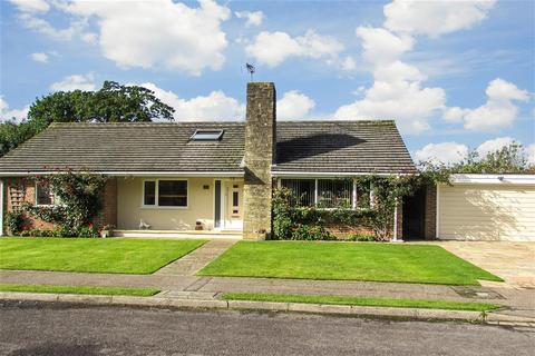 5 bedroom detached bungalow for sale - Masons Field, Mannings Heath, Horsham, West Sussex