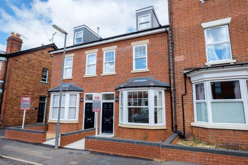 4 Bedrooms Semi Detached House for sale in St Judes Road West, Wolverhampton
