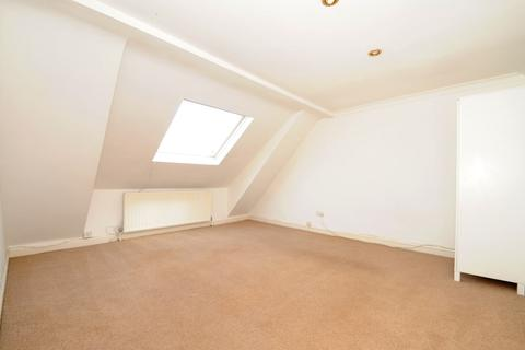 3 bedroom flat to rent - Queens Avenue Muswell Hill N10