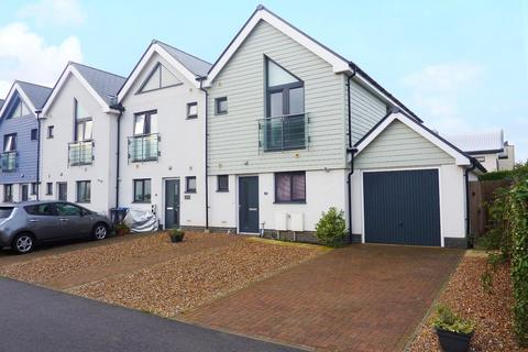 3 bedroom end of terrace house for sale - Eirene Avenue, Goring-by-Sea, Worthing, BN12
