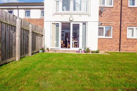 2 bedroom ground floor flat for sale - Bittern Close, Dunston, Gateshead, Tyne and Wear, NE11 9FF