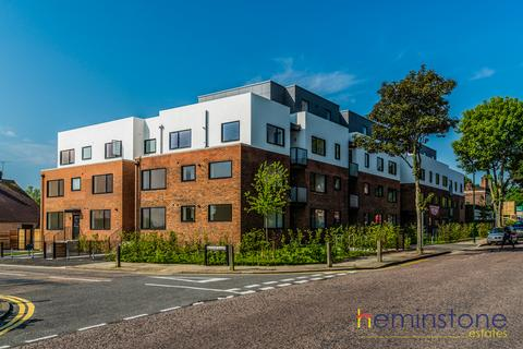 2 bedroom flat to rent - Mabel Court, 20 Lingfield Crescent, London, SE9