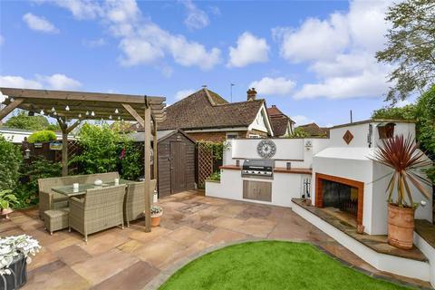 3 bedroom semi-detached house for sale - Courtwick Lane, Littlehampton, West Sussex