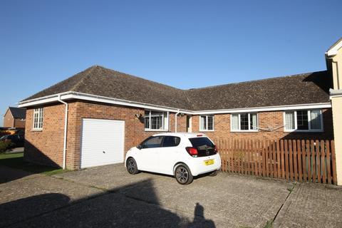 3 bedroom semi-detached bungalow for sale - Shalfleet, Isle of Wight