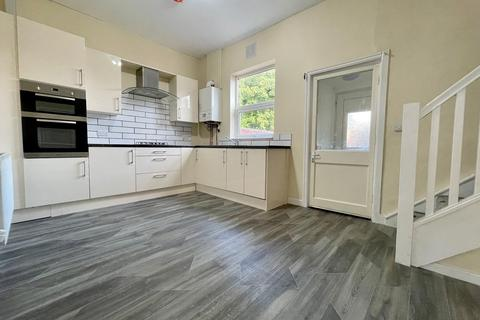 3 bedroom terraced house to rent - Queens Road, Walton-le-Dale