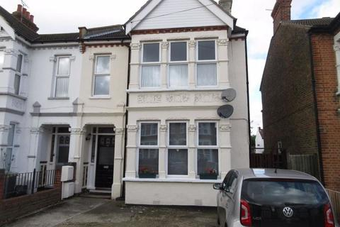 3 bedroom flat to rent - Ceylon Road, Westcliff-On-Sea