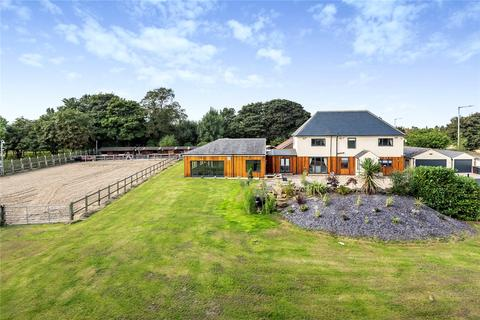 6 bedroom equestrian property for sale - Broadway House, Wakefield Road, Drighlington, Bradford
