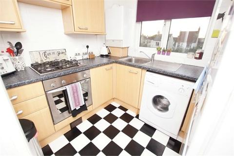 1 bedroom flat to rent - Sandleigh Road, NEAR LEIGH BROADWAY, Leigh-on-Sea, SS9